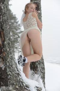http://img101.imagetwist.com/th/05028/gmj60zxs77jy.jpg