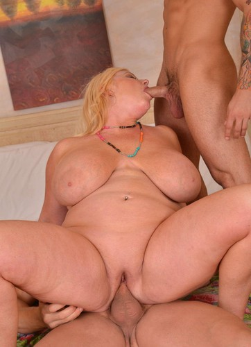 Zoey Andrews   Big titted blonde in Double Teaming the Hole HD